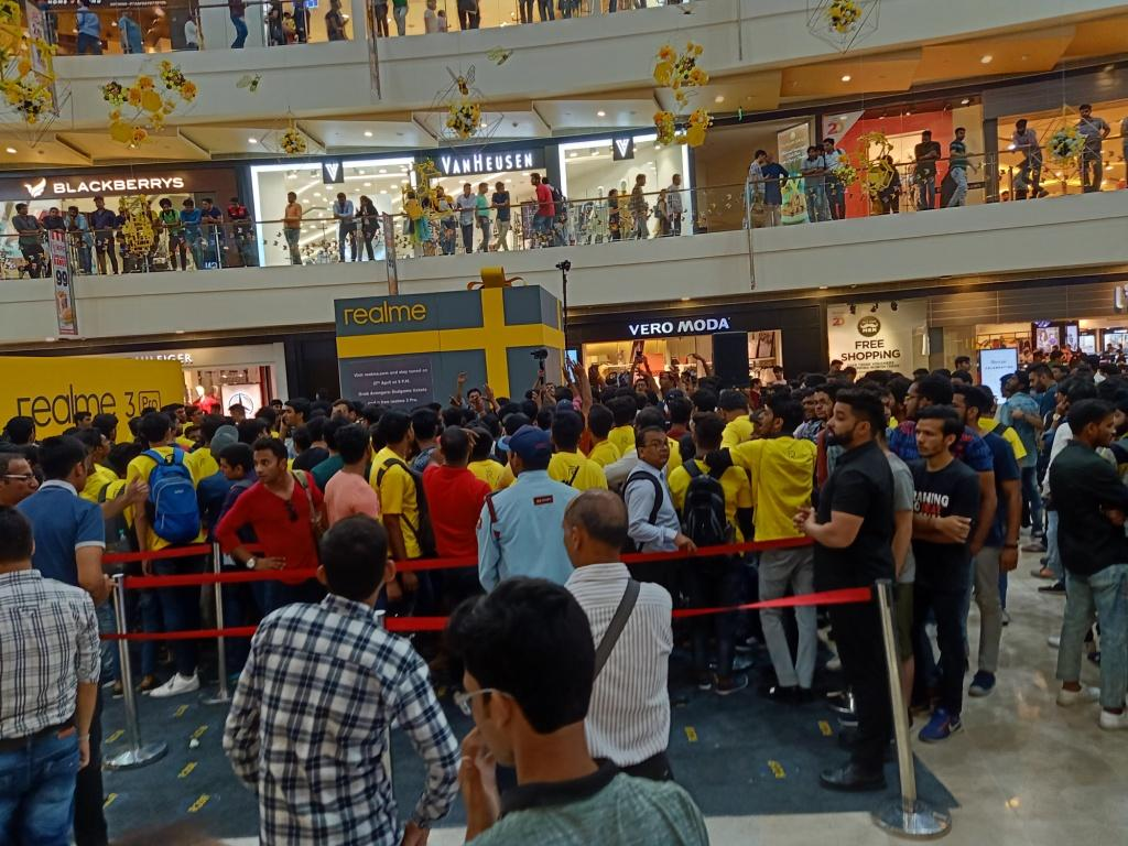 Thousands of people attended the event to feel the experience of Realme 3Pro
