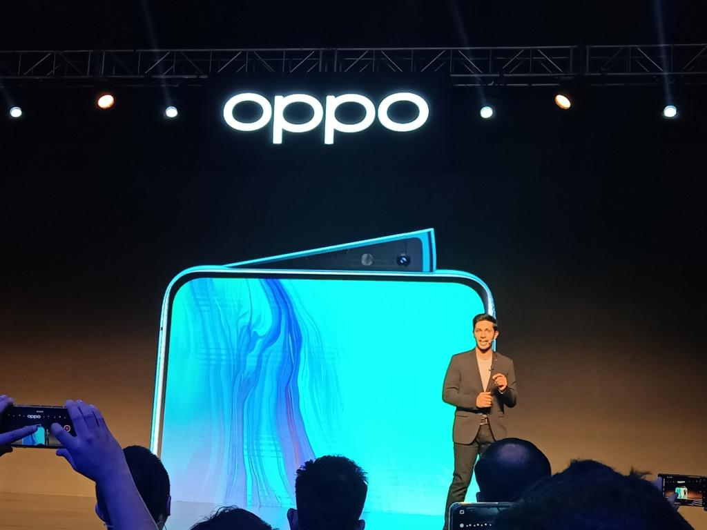 With 10x zoom, OPPO Reno is all set to bring out the creativity in you