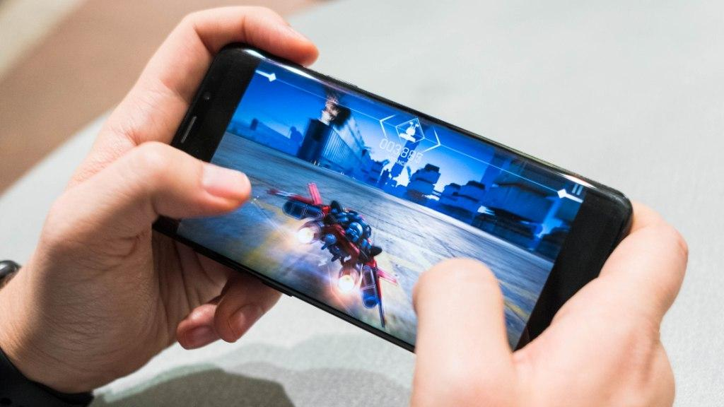 Top 5 Hardcore Gaming Phones For Game-Lovers