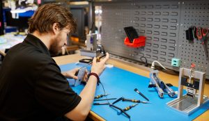Now You Can Repair Your Out-Of-Warranty iPhones At Independent Shops